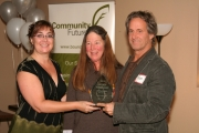 The 2012 Green Business Award, which is sponsored by The Boundary Sentinel, was presented to Bob and Lucinda Dupee of Wildways in Christina Lake. Boundary Sentinel owner and editor Mona Mattei, left, presented the award. Photo Erin Perkins.